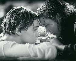 "Obrázek ""http://www.peterweircave.com/dave/film/titanic.jpg"" nelze zobrazit, protože obsahuje chyby."